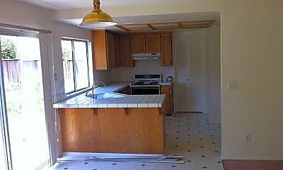 Kitchen, 740 Larkspur Dr, 1