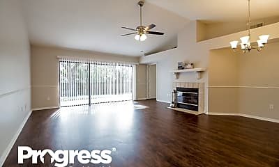 Living Room, 1082 Beckstrom Drive, 1