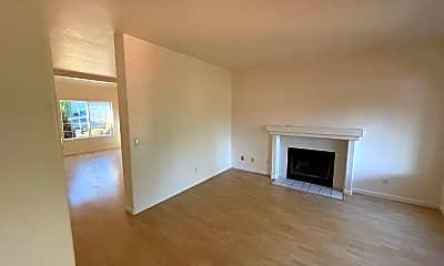 Living Room, 11589 SE Springcrest Dr, 1