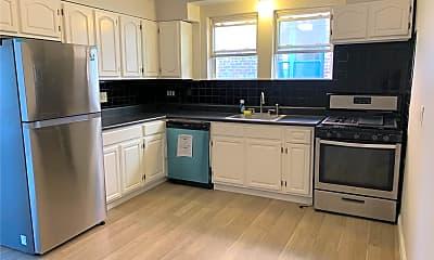Kitchen, 55 E Walnut St UPPER, 1