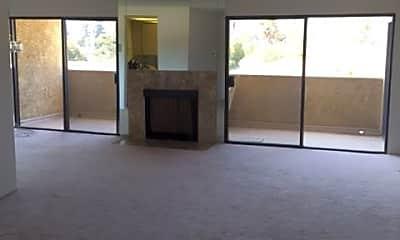 Living Room, 444 Piedmont Ave, 1