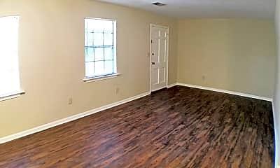 Living Room, 107 39th St E, 1