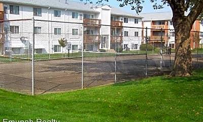 Building, 5685 Coach Dr E, 2
