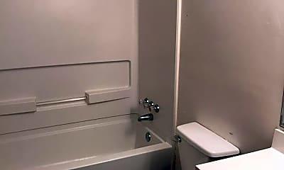 Bathroom, 605 4th St NE, 2