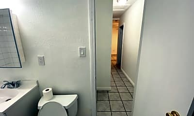 Bathroom, 444 E 91st St, 2