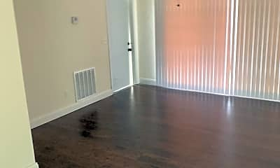 Living Room, 136 Prima Vista Blvd, 1