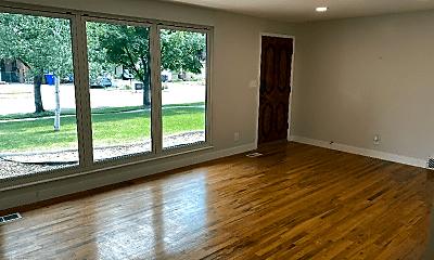 Living Room, 205 Carlson Ave, 1