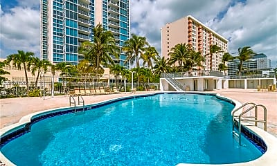 Pool, 2655 Collins Ave, 2