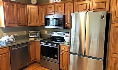 Kitchen, 638 Royal View Dr, 1