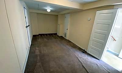 Building, 730 N Court St, 1