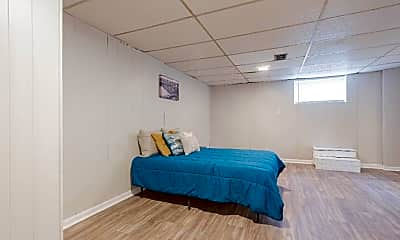 Bedroom, Room for Rent -  a 10 minute walk to bus 165, 2