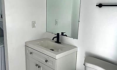 Bathroom, 1725 E Cambridge Ave, 2