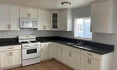 Kitchen, 1431 Obispo Ave, 1