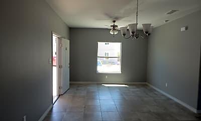 Living Room, 661 Buckeye Dr, 2