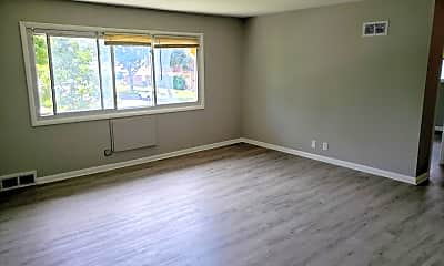 Bedroom, 8834 W Congress St, 1