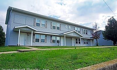 Building, 116 Faulkner Cir, 1