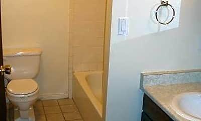 Bathroom, 980 W 300 S, 2
