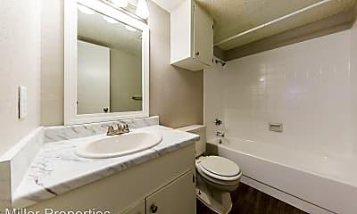 Bathroom, 506 W 37th St, 2