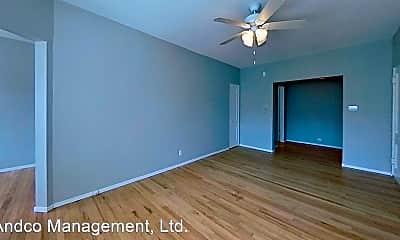 Living Room, 734 W Aldine Ave, 1