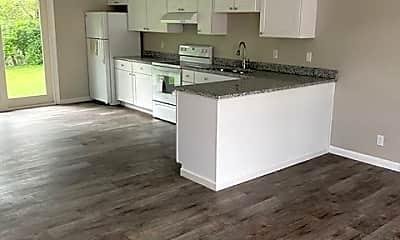 Kitchen, 112 Louella Dr, 2