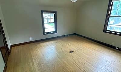 Living Room, 419 S Huron St, 2