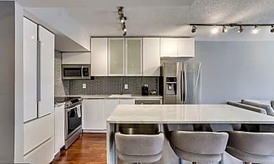 Kitchen, 1001 N Randolph St 812, 1
