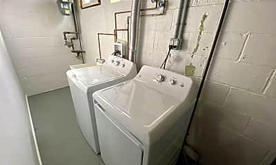Bathroom, 1318 Dalton Rd, 2
