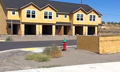 Building, 1658 NE 8th St, 0