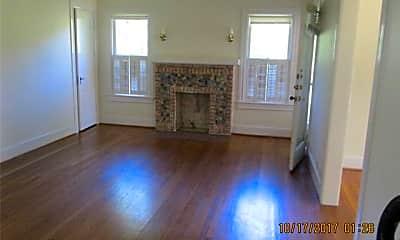 Living Room, 3920 Hawthorne Ave, 1