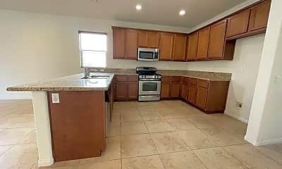 Kitchen, 4183 Via Dante, 1