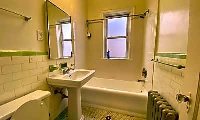 Bathroom, 4233 N Hermitage Ave, 2