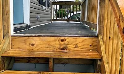 Patio / Deck, 1114 Queen St, 2