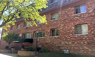 Building, 2807 W Michigan St, 1