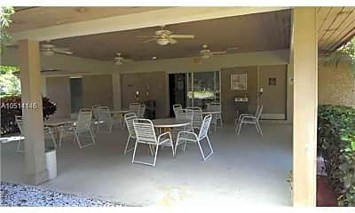 Patio / Deck, 565 Oaks Ln 511, 2