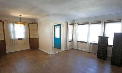 Living Room, 608 5th Ave SE, 1