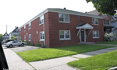 Building, 3920 N 6th St, 1