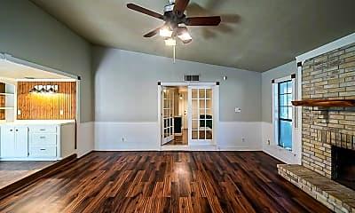 Living Room, 2806 Killdeer Ln, 2