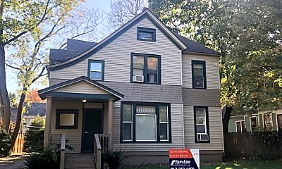 Building, 703 W Park Ave, 2