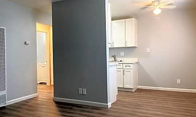 Kitchen, 725 N San Joaquin St, 2