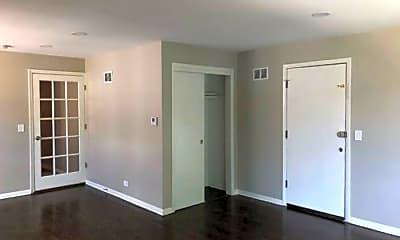 Living Room, 6023 N Artesian Ave, 1