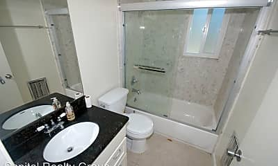 Bathroom, 805 Park Ave, 2