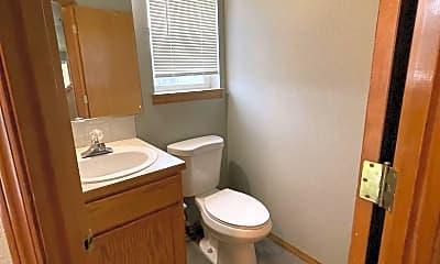 Bathroom, 15704 NE Milton Pl, 2