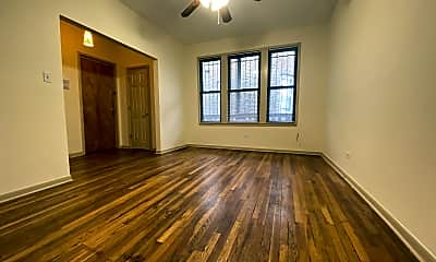 Living Room, 1532 W Montrose Ave #2E, 0