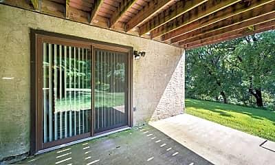 Patio / Deck, 9000 Ayrdale Crescent, 2
