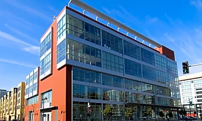 Building, 207 King Street, Unit 404, 1