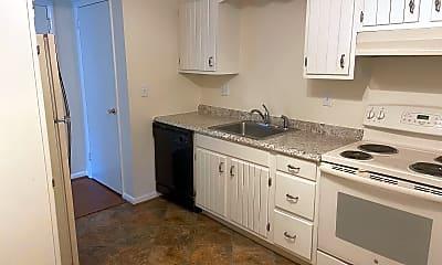 Kitchen, 103 N Edgewood Dr, 1