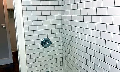 Bathroom, 1117 S Plymouth Ave, 2