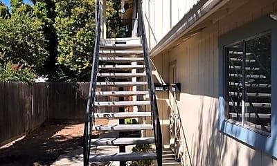 Patio / Deck, 504 W 10th St, 1