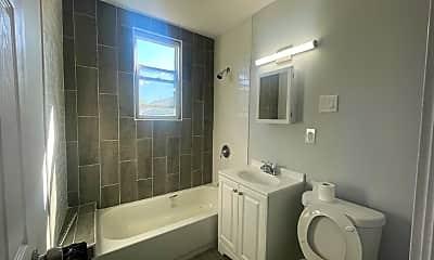 Bathroom, 474 Leslie St, 2