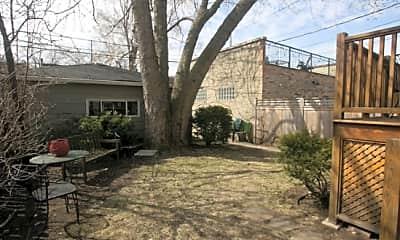 Building, 3706 N Leavitt St 2, 2